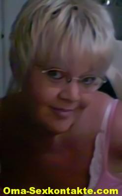 Granny in Single Oma 57 mit reifen dicken Melonen sucht Liebhaber