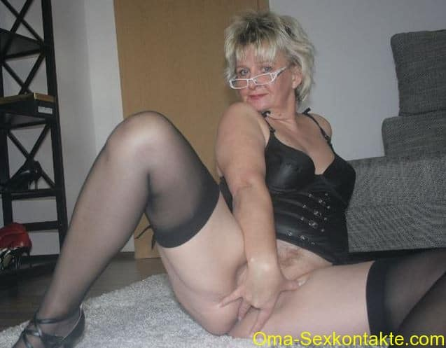 Mature woman having sex